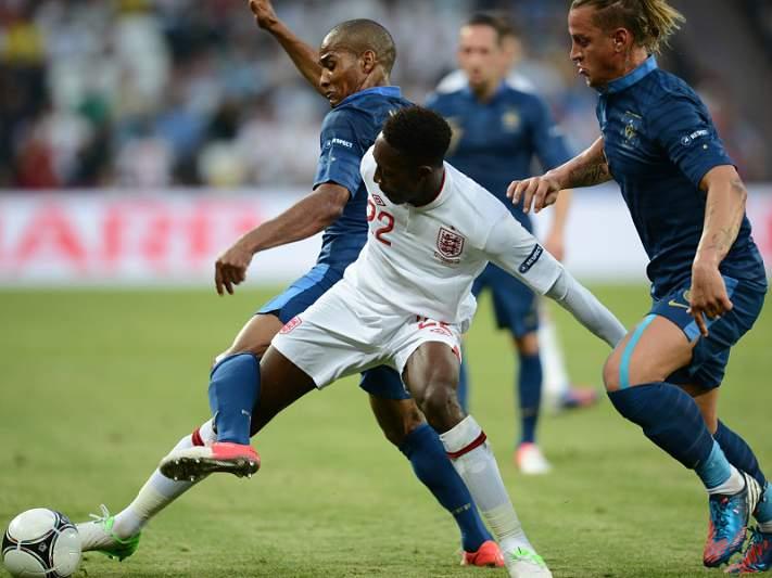 """França e Inglaterra """"negoceiam"""" empate"""