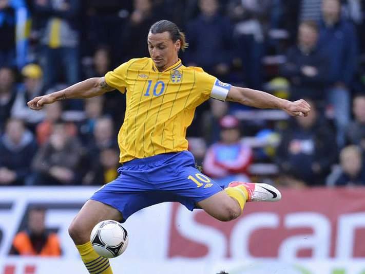 Ibrahimovic dá a vitória à Suécia