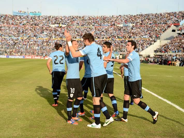 Uruguai vence com golos 'portugueses'