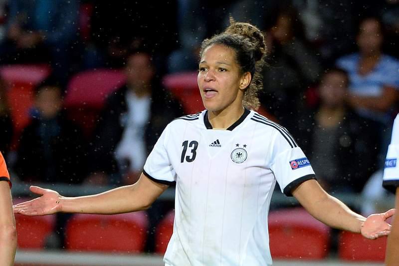 Alemanha soma primeiro triunfo e espreita