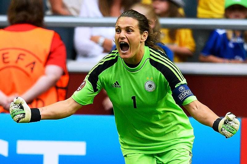 Nadine Angerer entre as dez escolhidas para jogadora do ano FIFA