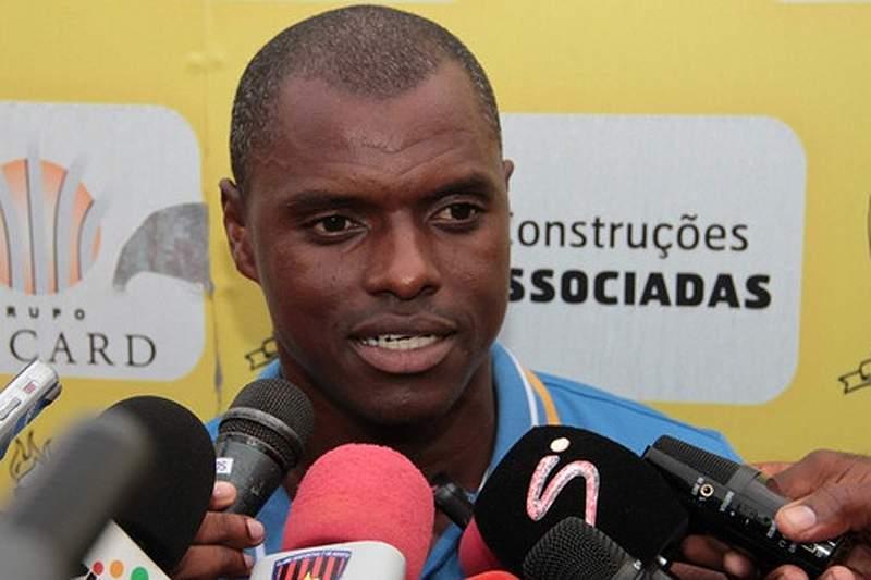 Lúcio Antunes contestado pelos adeptos do Progresso