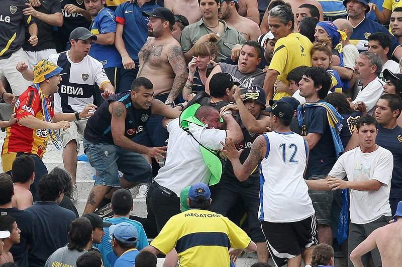 """""""Superclássico"""" River-Boca com saldo de 25 feridos"""