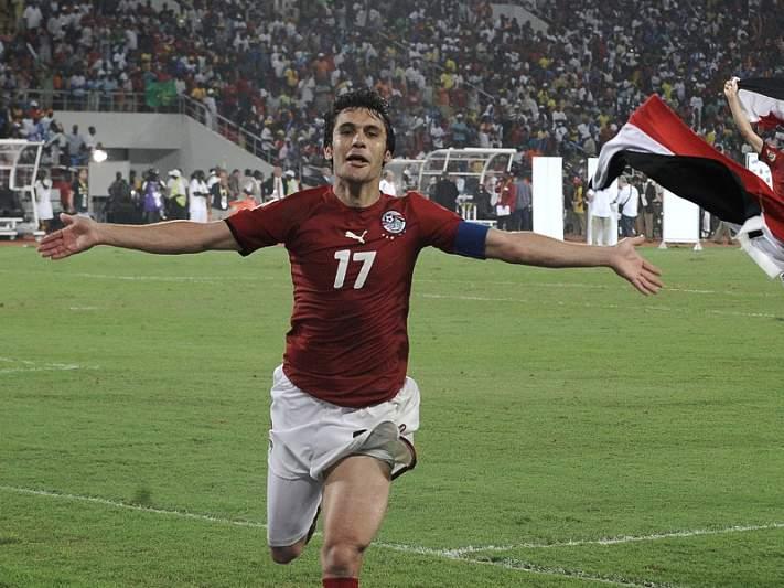 Ahmed Hassan iguala Mohammed al-Deayea com 178 internacionalizações