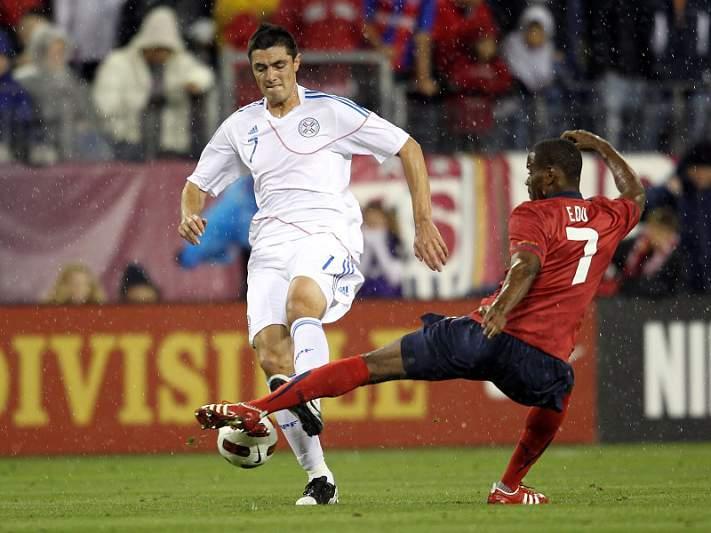 Cardozo marca pelo Paraguai na vitória sobre o Panamá