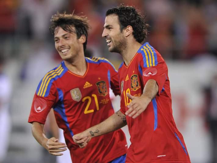 Espanha dá a volta ao marcador e vence Chile por 3-2