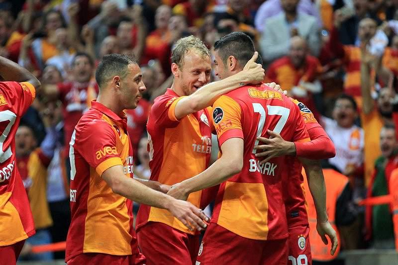 Galatasaray renova título de campeão