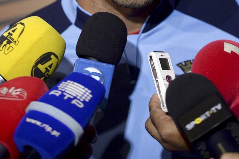 Jornalistas portugueses recebidos em apoteose por desportistas guineenses