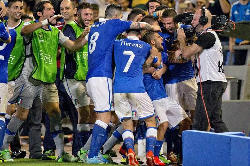 Itália bate Inglaterra e assume liderança do Grupo A