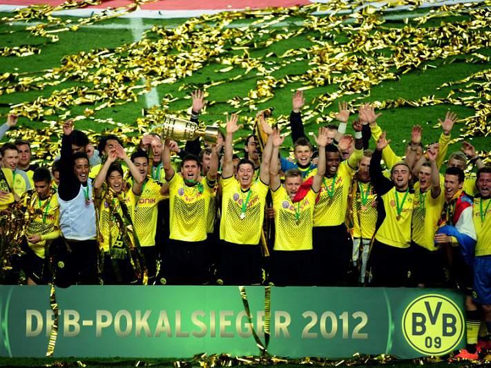 Borussia Dortmund consegue primeira