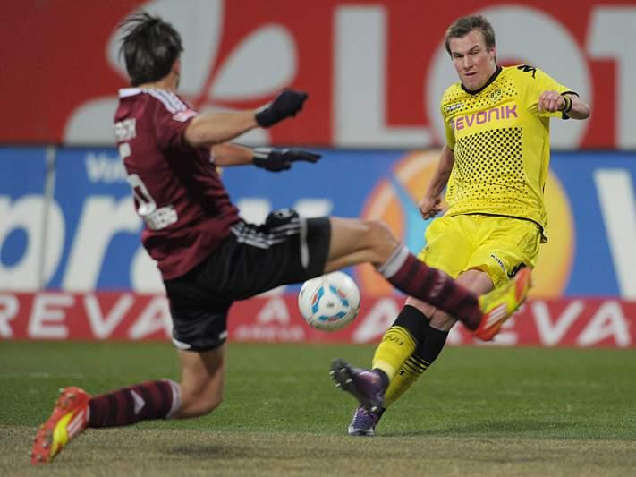 Borussia Dortmund vence em Nuremberga