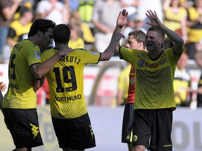Borussia vence Schalke 04
