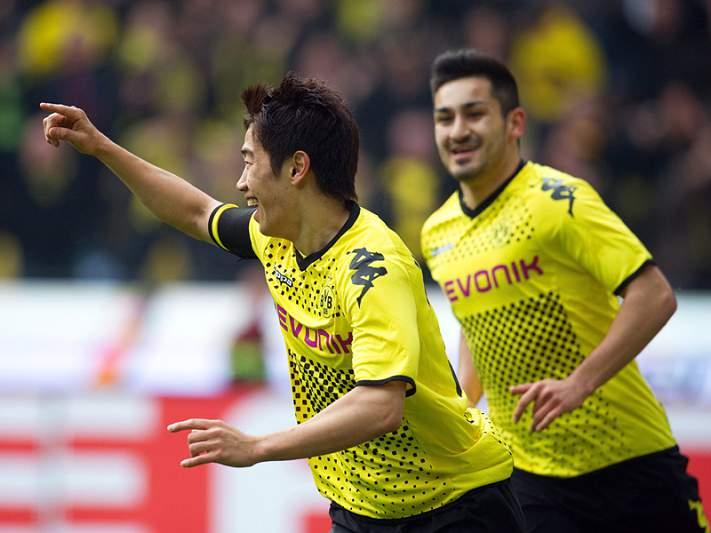 Dortmund segue firme na liderança