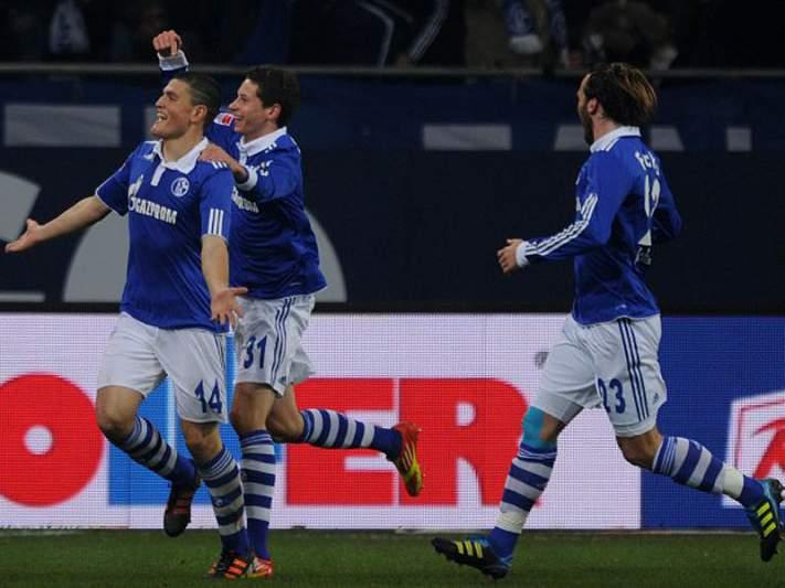Schalke 04 empata e perde hipótese de igualar líder Dortmund