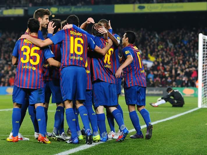 Barcelona goleia com póquer de Messi