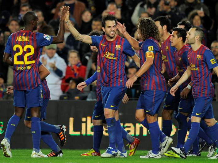Barcelona implacável goleia Levante