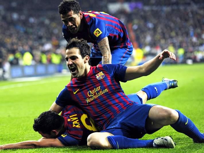 Barcelona imita Real e aplica