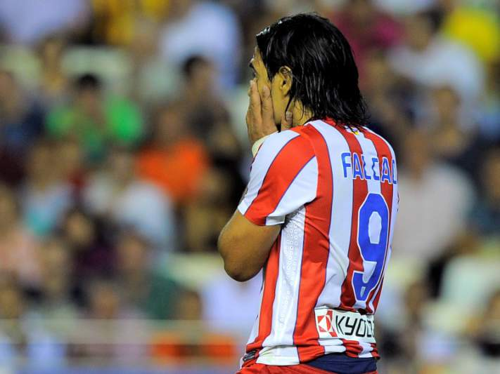 Falcao volta ao golos, mas Atlético não ganha