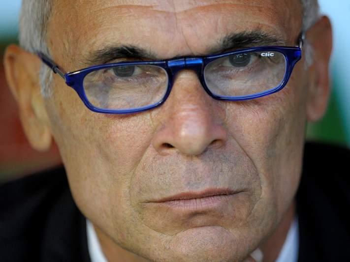 Héctor Cúper abandona Racing Santander