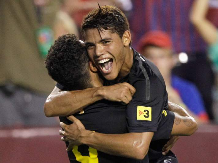 Barcelona renova com Jonathan dos Santos