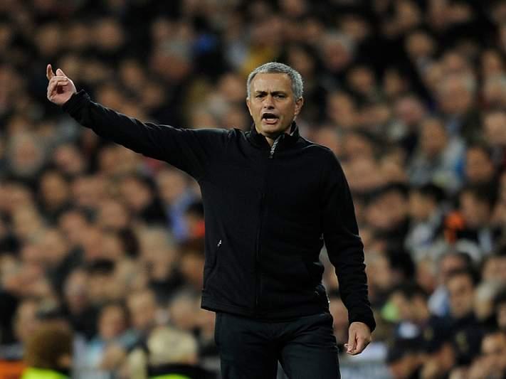Mourinho renova até 2014
