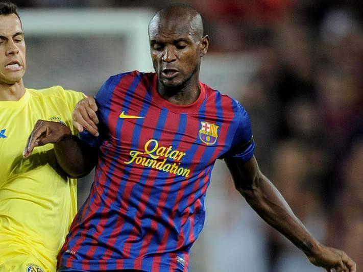 Abidal renova com Barcelona