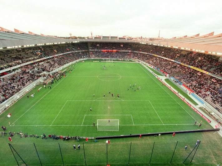 PSG contrata Lucas Digne por 15 milhões de euros