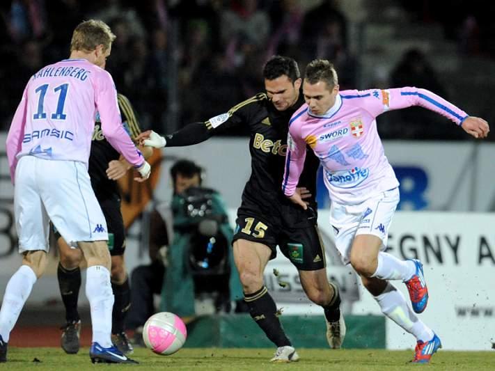Evian derrota Marselha por 2-0