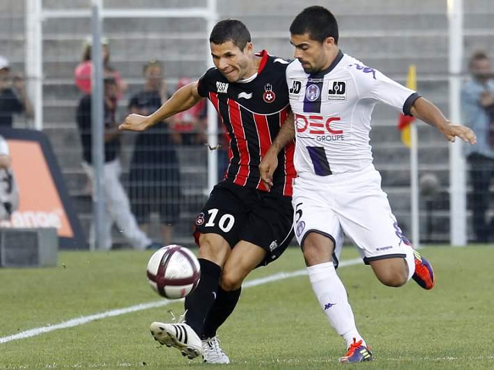 Lyon vence Toulouse por 3-2
