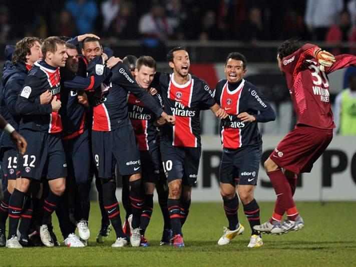 PSG mantém-se na luta pelo título