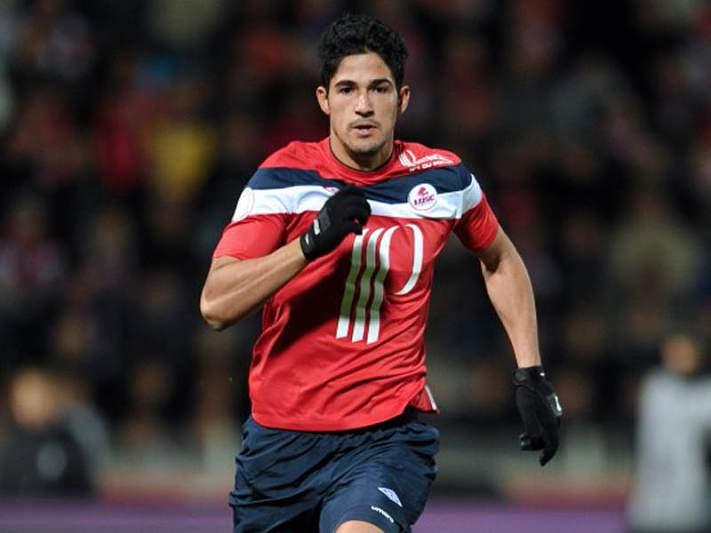 Túlio Melo só regressa em 2012