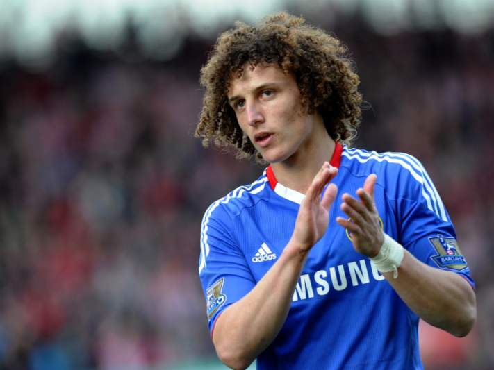 Barcelona aposta em David Luiz
