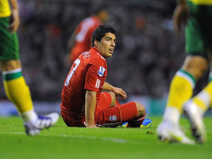 Arsenal bateu cláusula de Suárez, Liverpool recusou