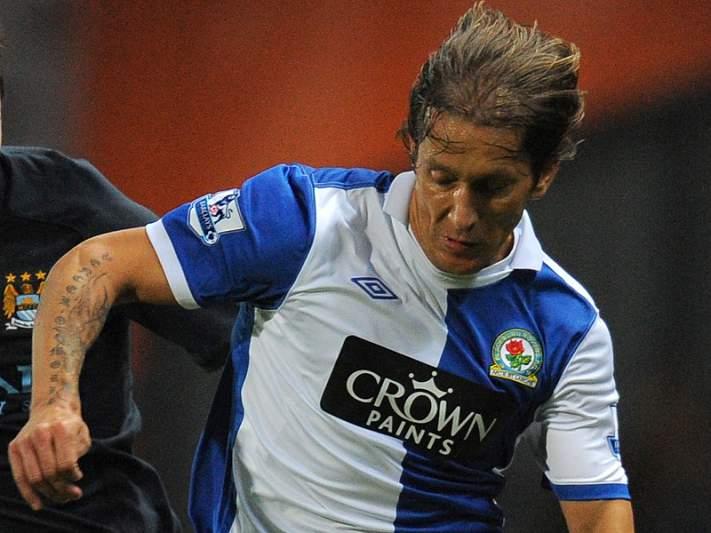 Michel Salgado de saída do Blackburn Rovers