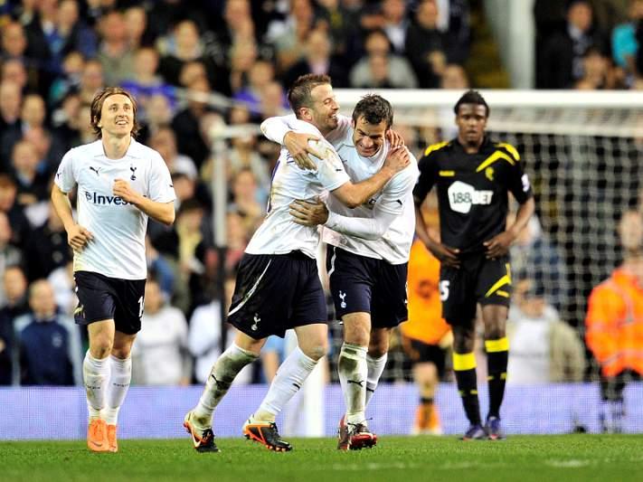 Tottenham e Everton nas meias-finais