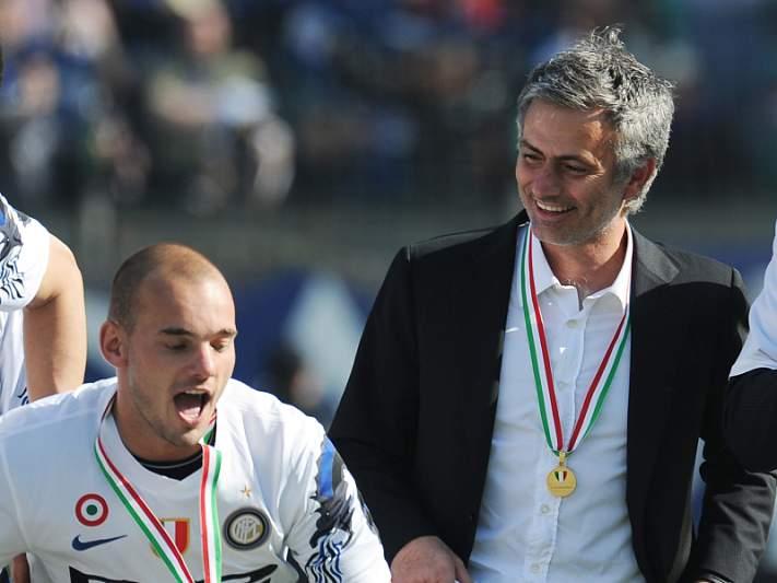 Sneijder quer juntar-se a Mourinho em Inglaterra