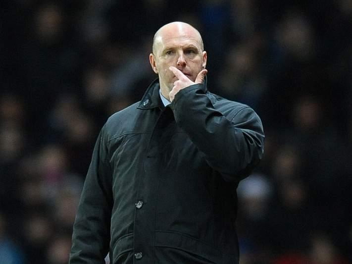 Bispo de Blackburn sai em defesa do treinador Steve Kean