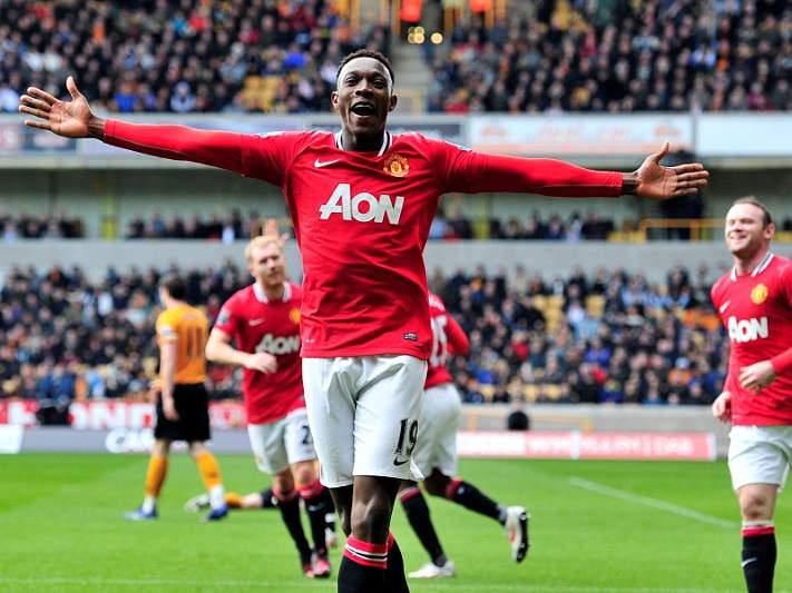United goleia e vai permanecer líder