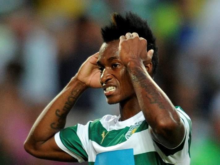 Djaló nega contactos com Aston Villa