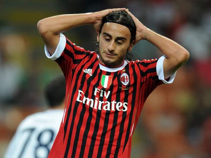 AC Milan empata no arranque da liga italiana