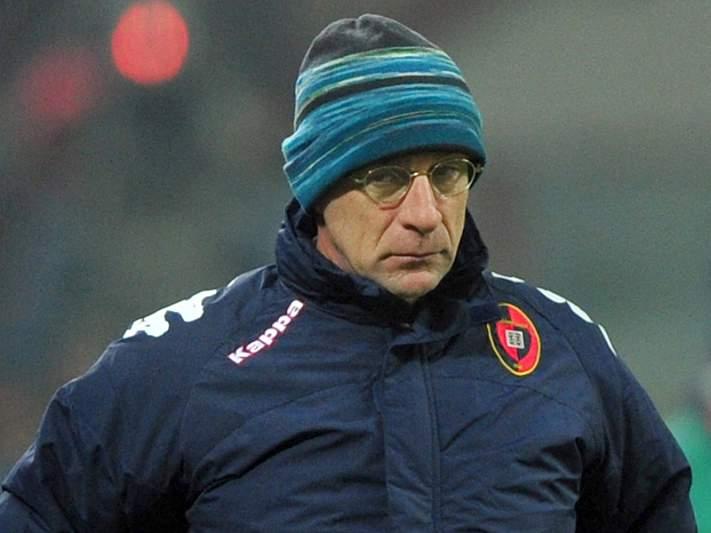 Cagliari concretiza 15.º despedimento do campeonato
