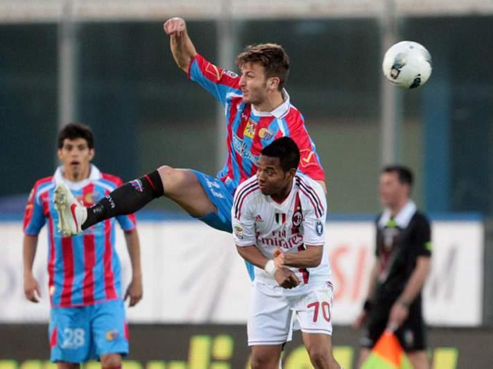 AC Milan tropeça na Sicília