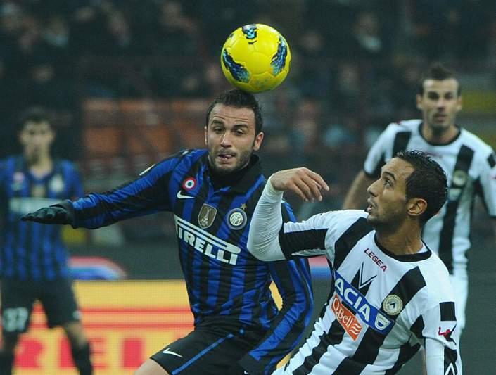 Udinese iguala AC Milan no comando provisório