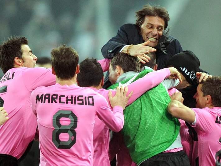 Juventus bate Catania e assume liderança provisória