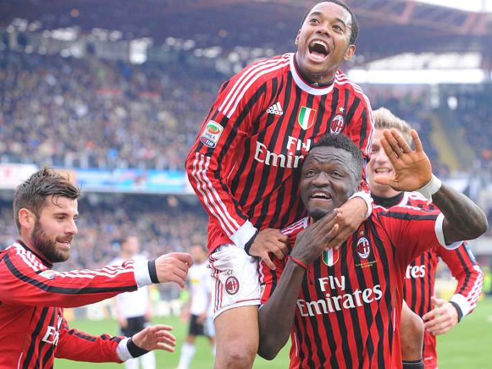 Juventus desliza e Milan aproveita