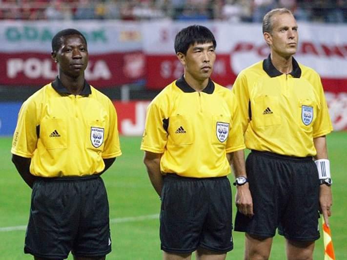 Mais famoso árbitro chinês foi subornado