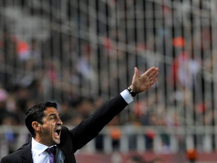 Manolo Jimenez é o treinador eleito