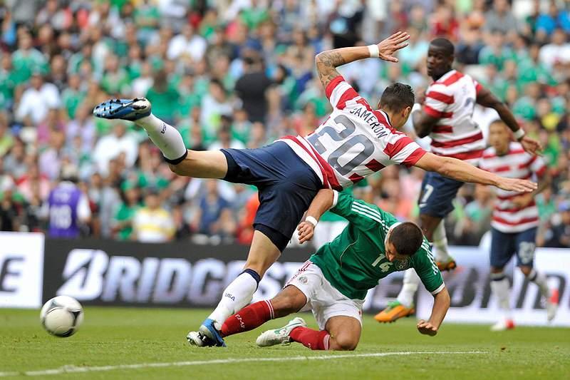 EUA vencem pela primeira vez no México