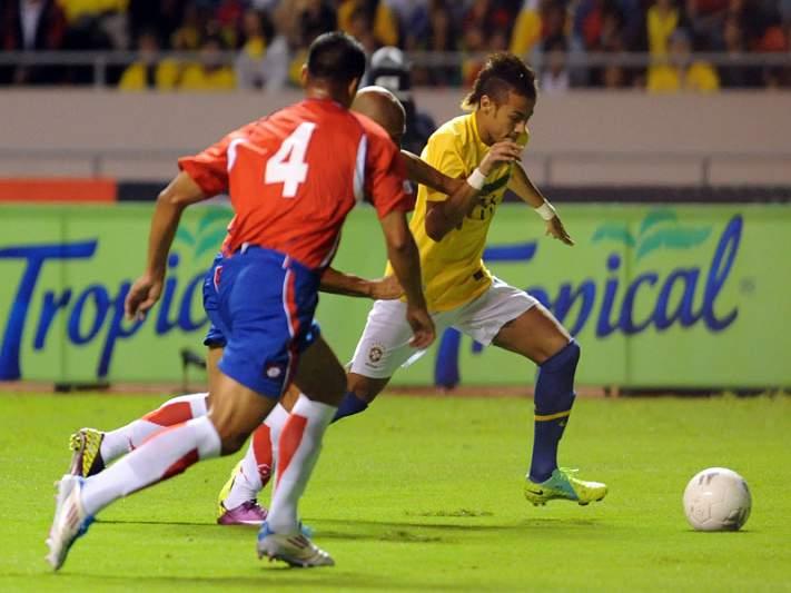Neymar dá vitória ao Brasil