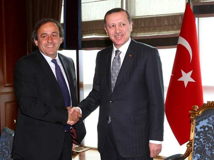 Federação turca apresenta candidatura